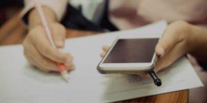 Comunicação – Proibição de transporte de telemóveis, smartwatchs ou outro equipamento proibido